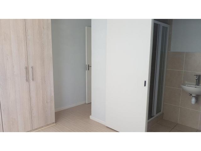 Available Modern 2bd apartment